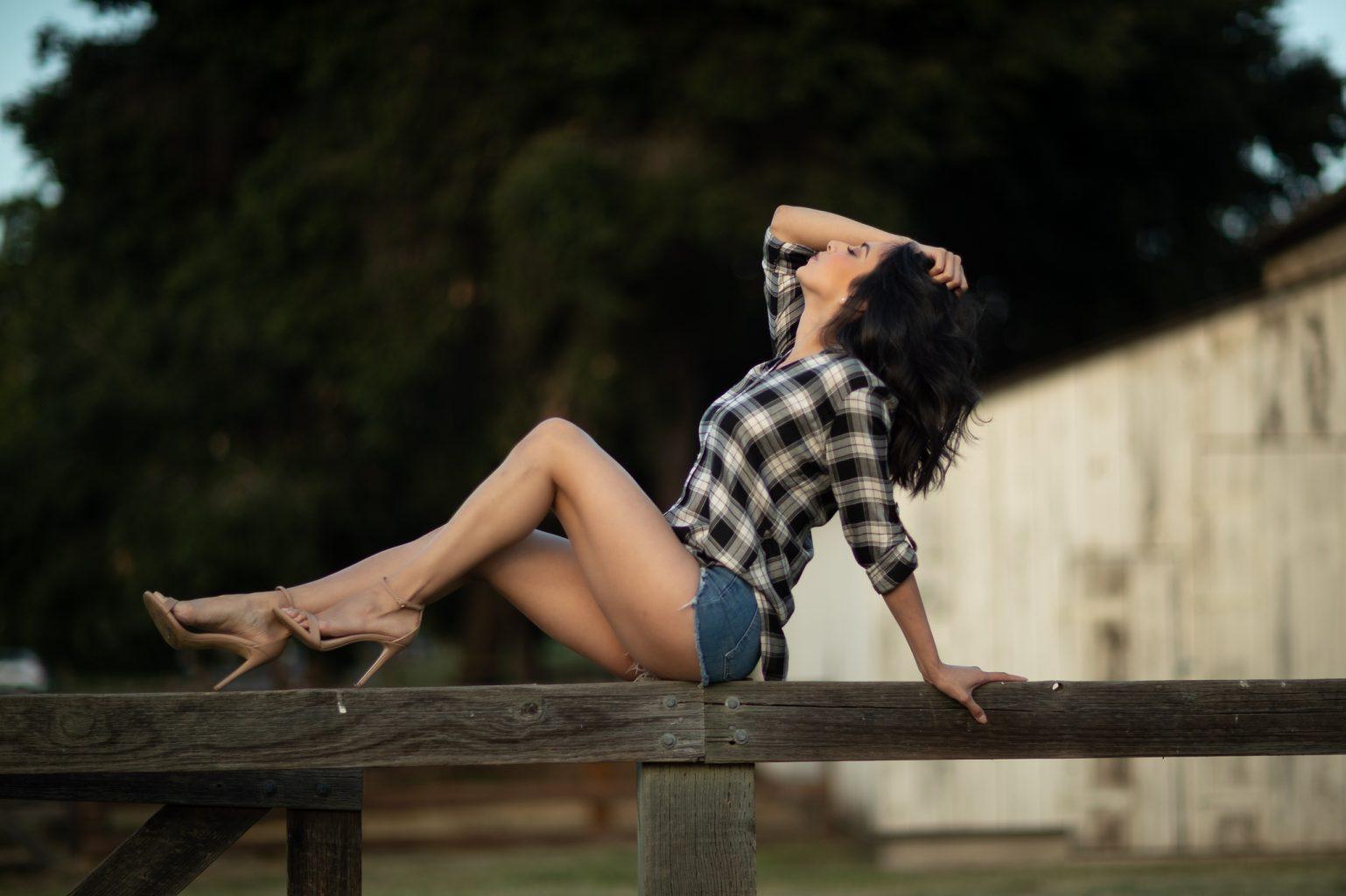 outdoor barn photoshoot